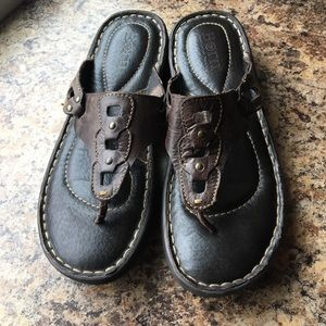 Born Brown Leather Sandals, size 8M Thong Slip On